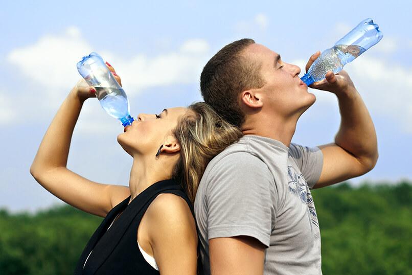'2 liter water per dag': feit of fabel?