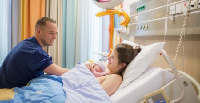 Gezin centraal bij de bevalling