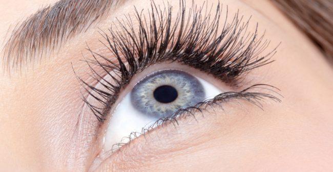 Natuurlijke oogopslag zonder mascara