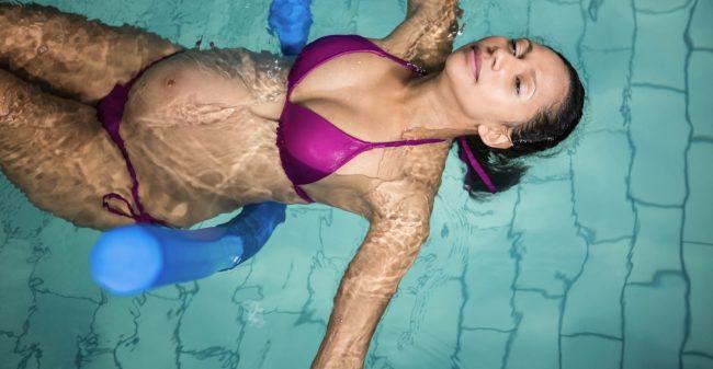 Zwemmen met je zwangere buik