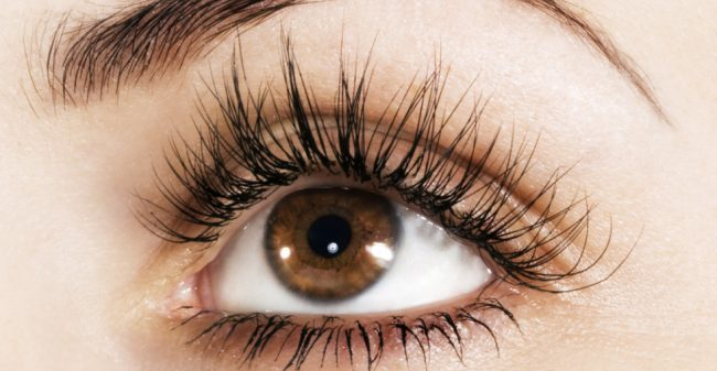 Verleidelijk knipperen met je ogen