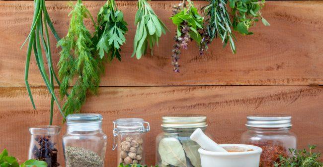 De vele voordelen van acupunctuur en kruiden