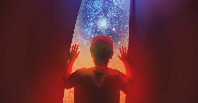 Kinderen blij verrast door Virtual Reality-bril