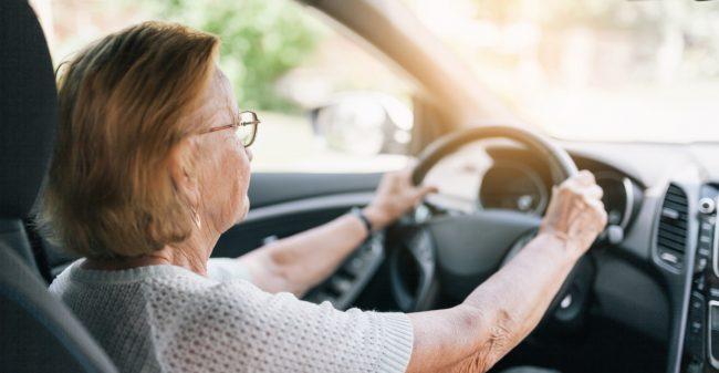 Autoverzekering: niet vanzelfsprekend voor ouderen