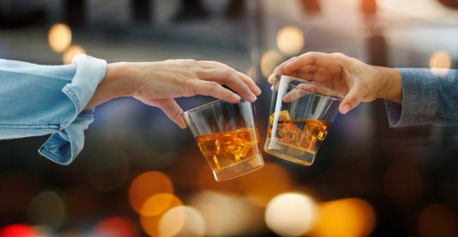 Een alcoholprobleem: een ver-van-mijn-bed-show of herkenbaar?