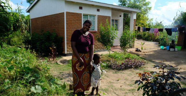 Alphense vrouwen bouwen in Malawi