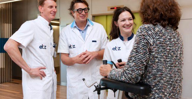 Nieuwe techniek heupoperatie helpt patiënt